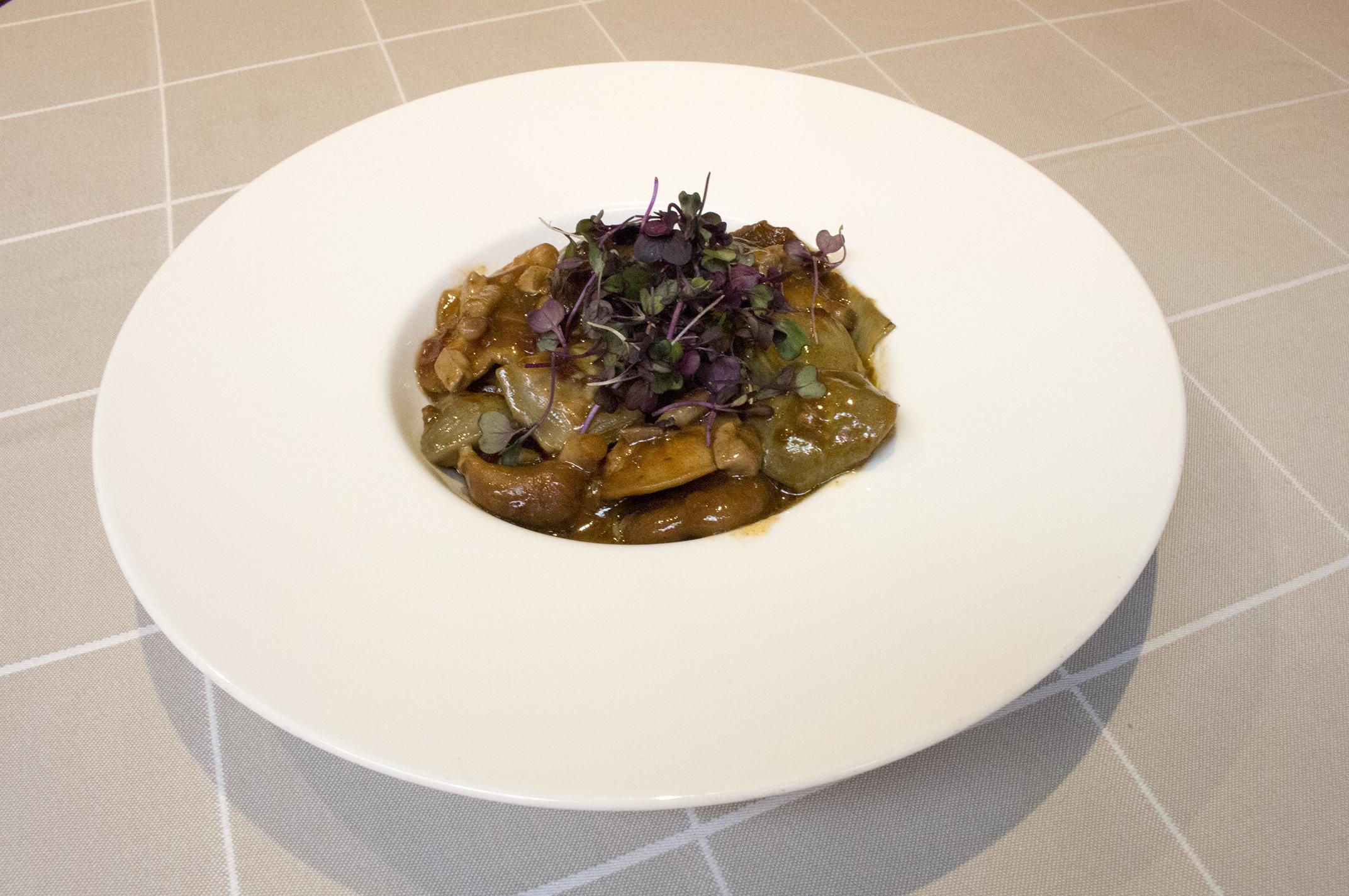 Salteado de alcachofas con shiitake y foie